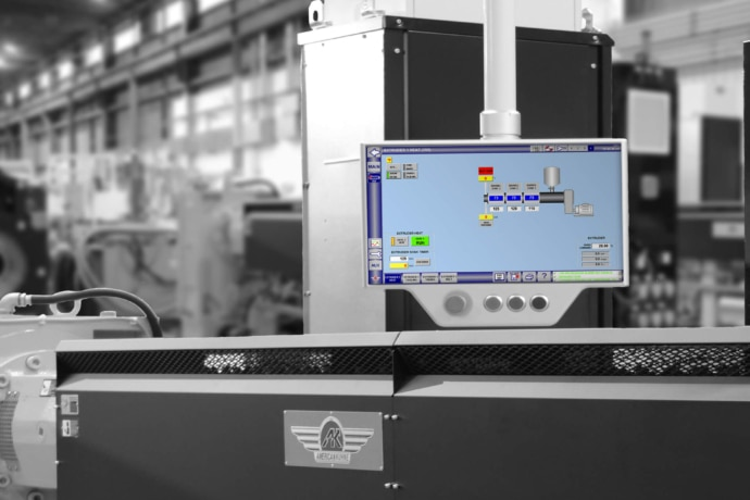 Intuitive pc navigator controls shown on extrusion equipment.